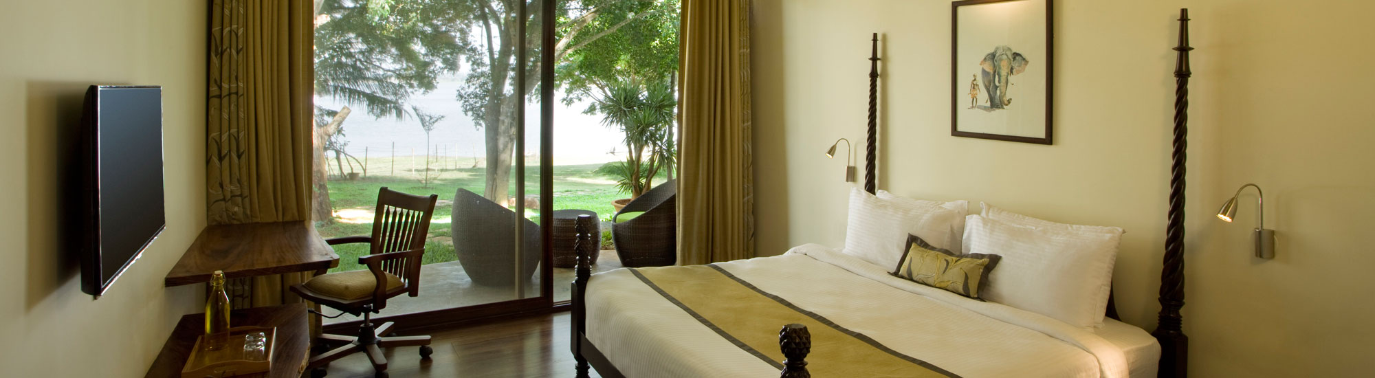 holiday-destinations-around-bangalore-jungle-lodges-kabini-king